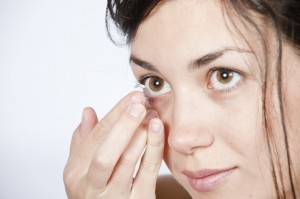 Solutions for swimmers who wear contact lenses